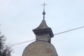 kaplička v části osady západně od silnice 57
