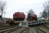 Vagón slokomotivou istendrem natočně vkrnovském depu