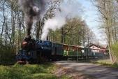 Vlak SZD odjíždí zKoberna