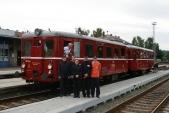 Souprava motorového vozu M131.1454 ajeho vlakový doprovod vKrnově předodjezdem zvláštního vlaku doTřemešné