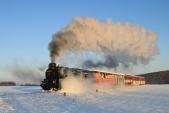 Lokomotiva U57.001 stoupá doLiptaně
