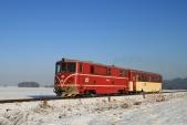705914 stoupá sesvým osobním vlakem meziDívčím Hradem aLiptaní