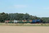 Nasvé zpáteční cestě je vlak zachycen předvjezdem doSlezských Rudoltic