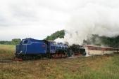 Lokomotivy U57.001 aU46.002 předzastávkou Dívčí Hrad