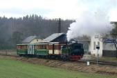 Souprava parního vlaku vdopravně Bohušov čeká naodjezd
