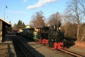 Mikulášský vlak připravený vOsoblaze naprvní koleji kdojezdu zpět doTřemešné