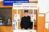 Stánek Slezských zemský drah vevýpravní budově stanice Raclawice Sląskie