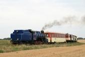 Lokomotiva U57.001 se svým vlakem přijíždí dozastávky Horní Povelice