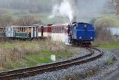 Desátá jízda parního vlaku na Martinské hody, pátá včele s lokomotivou U57.001, zachycena v největším stoupání na trati za Třemešnou ve Slezsku