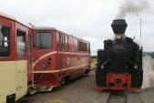 Křižování ve Slezských Rudlticích s lokomotivami 705 916 a U46.002, 16.8.2008