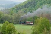 """Parní lokomotiva U46.002 """"Rešica"""" mezi Liptaní a Třemešnou ve Slezsku"""