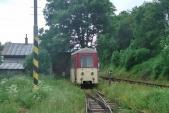 """Poslední chvilky vozu na osoblažských kolejích. Vagón čeká """"na kopečku"""" na koleji 10u v Třemešné na naložení na transportní vagón."""
