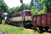 Souprava s vozem Balm/ú a dvěma podvalníky nadobro opouští Třemešnou ve Slezsku