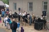 Down Beat Dixieland se svou produkcí na nádraží v Osoblaze