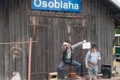 Cirkusové představení pro děti na nádraží v Osoblaze