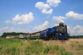 Vjezd parního vlaku do Slezských Rudoltic.