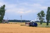 Parní vlak z Třemešné do Osoblahy s lokomotivou U57.001 opouští Horní Povelice