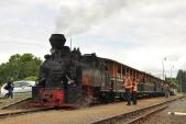 "Malá mašinka v čele velkého vlaku. Posun s ""Rešicou"" v Osoblaze."
