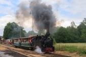 """První vlak s lokomotivou """"Rešica"""" U46.002 odjíždí z Osoblahy do Slezských Rudoltic"""
