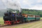 """""""Rešica"""" se svým vlakem opouští Bohušov na své zpáteční cestě do Osoblahy"""