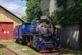 """""""Malý štokr"""" U57.001 při své polední pauze v Osoblaze. Na den dráhy se lokomotiva poprvé představila s napodobeninou originální jugoslávské tabulky na čele."""