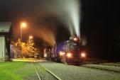 Soupravový vlak z Osoblahy do Třemešné je připraven k odjezdu.