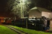 Obě parní lokomotivy Slezských zemských drah již odpočívají u depa v Třemešné. Sezóna je definitivně u konce.