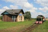 """Srpen 2008 a motorový """"Faur"""" TU38.001 naposledy v Horních Povelicích s rekordně krátkou manipulační koleji. Následující týden byla snesena."""