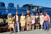 Kompletní indiánská osádka parního vlaku