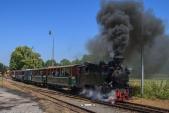 Speciální parní vlak z Osoblahy do Slezských Rudoltic v čele s Rešicou odjíždí do Osoblahy