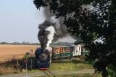 U57.001 se svým vlakem v zastávce Dívčí Hrad