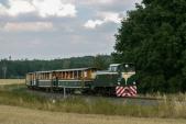 Motorový výletní vlak SZD před Slezskými Rudolticemi