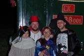 Část strašidel, obsluhujících Strašidelný vlak