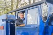 Hejtman Moravskoslezského kraje, Ivo Vondrák na místě strojvedoucího v parní lokomotivě U57.001.