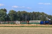 Parní vlak SZD stoupá do Slezských Rudoltic.