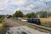 Odjezd parního vlaku s lokomotivou U57.001 z Osoblahy.