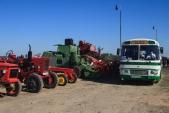 Ve Slezských Rudolticích bylo možné také shlédnout výstavu historické zemědělské techniky. Vedle kombajnů a traktorů si zapózoval také autobus Karosa ŠL11.