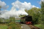 Druhý vlak s Rešicou v čele projíždí nejmenší oblouk na trati mezi Třemešnou a Liptaní.