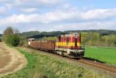 Převoz vozu z Třemešné do Krnova na manipulačním vlaku ČD Cargo v dubnu 2015.