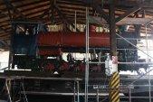 Práce na lokomotivě ani zdaleka nekončí. Následovat bude zateplení kotle a kompletní vystrojení parní lokomotivy. Je potřeba dosadit množství přístrojů, ovládacích prvků, zařízení a jejich vedení.