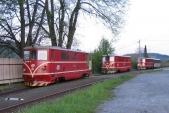 Lokomotivy 705 916, 914 a 913 v Temen ve Slezsku 13.5.2005, kdy slouily jako zt pi porn zkouce parn lokomotivy U46.002
