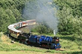 nejmenší oblouk s lokomotivami U57.001 a U46.002