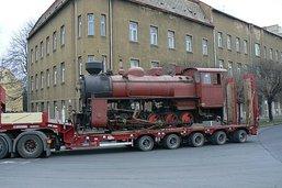 Příjezd lokomotivy 1932 JŽ (U57.001) do Krnova