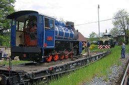 Nakolejování lokomotivy U57.001 v Třemešné ve Slezsku